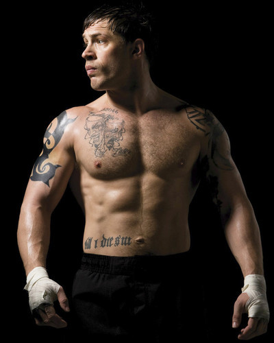 This is an image of Prints & Posters of Tom Hardy 201602