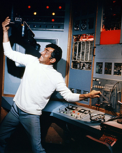 This is an image of Prints & Posters of Dean Martin 201795