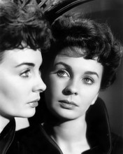 This is an image of Prints & Posters of Jean Simmons 104491