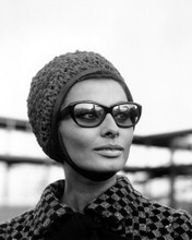 This is an image of Prints & Posters of Sophia Loren 104492
