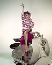 This is an image of Prints & Posters of Debbie Reynolds 202240