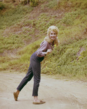This is an image of Prints & Posters of Donna Douglas 202284