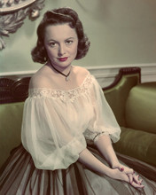 This is an image of Prints & Posters of Olivia De Havilland 202301