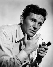 This is an image of Prints & Posters of John Garfield 104533