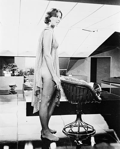 This is an image of 19734 Jenny Agutter Photograph & Poster