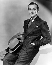 This is an image of Photograph & Poster of David Niven 100737