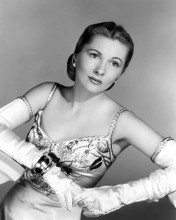 This is an image of Photograph & Poster of Joan Fontaine 100776