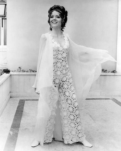 This is an image of Photograph & Poster of Diana Rigg 101138