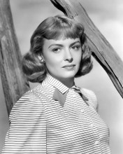 This is an image of Photograph & Poster of Donna Reed 101336