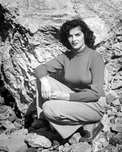 This is an image of Photograph & Poster of Jane Russell 101346