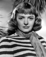 This is an image of Photograph & Poster of Donna Reed 101393