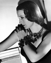 This is an image of Photograph & Poster of Norma Shearer 101395