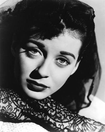 This is an image of Photograph & Poster of Gail Russell 101521
