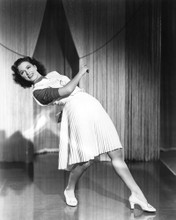 This is an image of Photograph & Poster of Eleanor Powell 101550