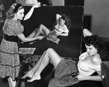 This is an image of Photograph & Poster of Jane Russell 101601