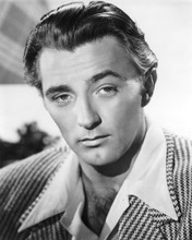 This is an image of Photograph & Poster of Robert Mitchum 101640