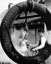 This is an image of Photograph & Poster of Bonnie and Clyde 101740
