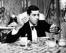 This is an image of Photograph & Poster of Jerry Lewis 101751