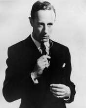 This is an image of Photograph & Poster of Leslie Howard 101791