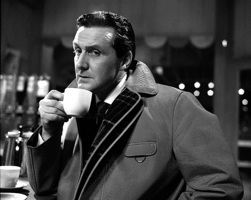 This is an image of Photograph & Poster of Patrick Macnee 101800