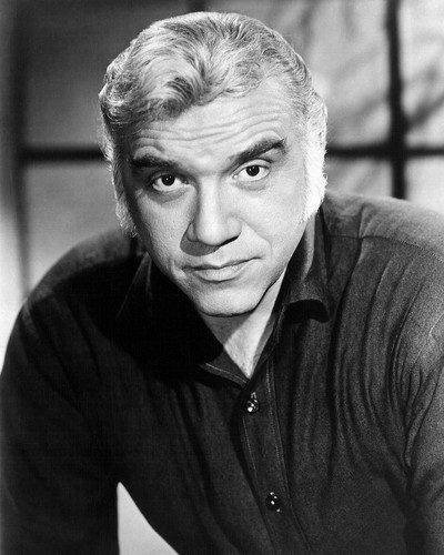 This is an image of Photograph & Poster of Lorne Greene 101936
