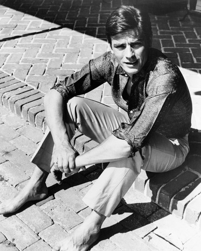This is an image of Photograph & Poster of Alain Delon 102356