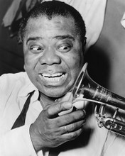 This is an image of Photograph & Poster of Louis Armstrong 102575