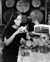 This is an image of Photograph & Poster of Paulette Goddard 102674