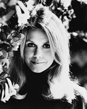 This is an image of 160590 Elizabeth Montgomery Photograph & Poster