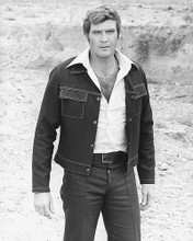 This is an image of 164519 Lee Majors Photograph & Poster