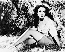 This is an image of 165900 Linda Darnell Photograph & Poster
