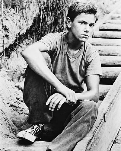 This is an image of 15210 River Phoenix Photograph & Poster