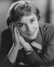 This is an image of 180230 Sylvia Syms Photograph & Poster
