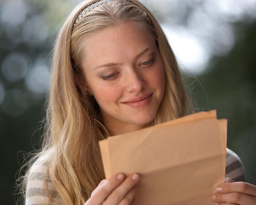 This is an image of 280871 Amanda Seyfried Photograph & Poster