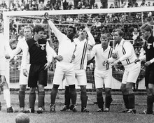 This is an image of 190396 Escape to Victory Photograph & Poster