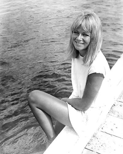 This is an image of 191977 Helen Mirren Photograph & Poster