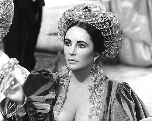This is an image of 191854 Elizabeth Taylor Photograph & Poster
