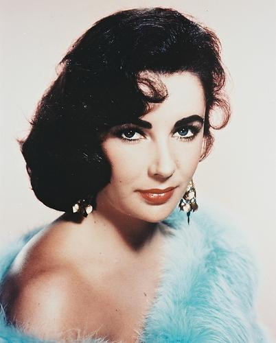 This is an image of 215437 Elizabeth Taylor Photograph & Poster