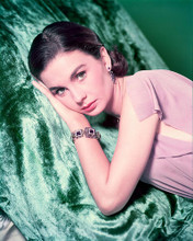 This is an image of 243809 Jean Simmons Photograph & Poster