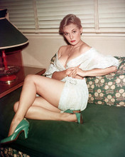 This is an image of 224527 Kim Novak Photograph & Poster
