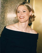 This is an image of 248022 Julie Bowen Photograph & Poster