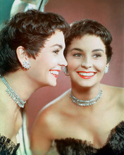 This is an image of 248599 Jean Simmons Photograph & Poster