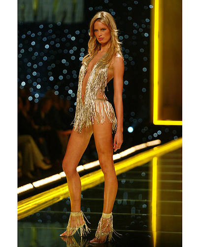 This is an image of 254535 Karolina Kurkova Photograph & Poster