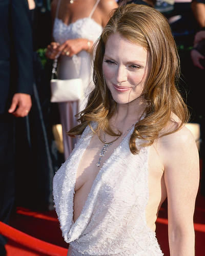 This is an image of 255072 Julianne Moore Photograph & Poster