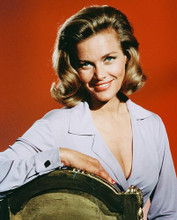 This is an image of 239945 Honor Blackman Photograph & Poster