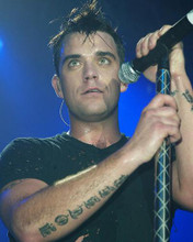 This is an image of 255821 Robbie Williams Photograph & Poster