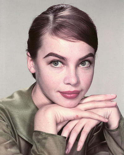 This is an image of 256139 Leslie Caron Photograph & Poster