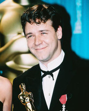 This is an image of 246404 Russell Crowe Photograph & Poster