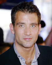 This is an image of 261582 Clive Owen Photograph & Poster
