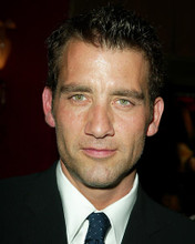 This is an image of 262361 Clive Owen Photograph & Poster